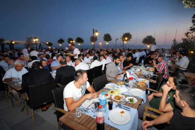 iftar-yemegi-2013